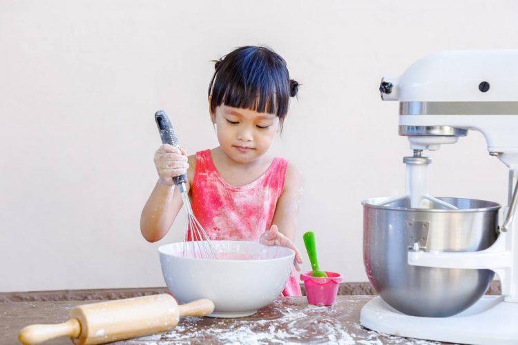 KitchenAid KSM75WH 4.5-Qt. Classic Plus Stand Mixer