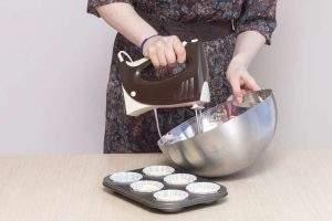 Everything You Need to Know About the Best Hand Mixers Consumer Reports